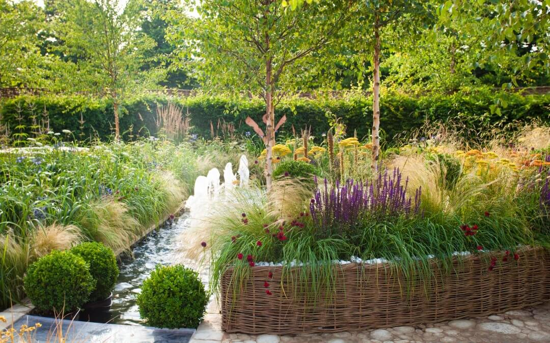 A 5 Step Guide To Preparing Your Garden For Summer