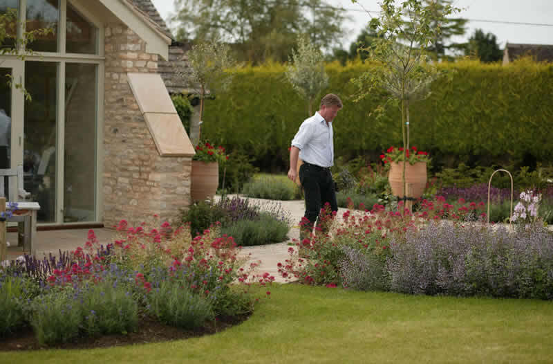 Professional aftercare for your new garden design.